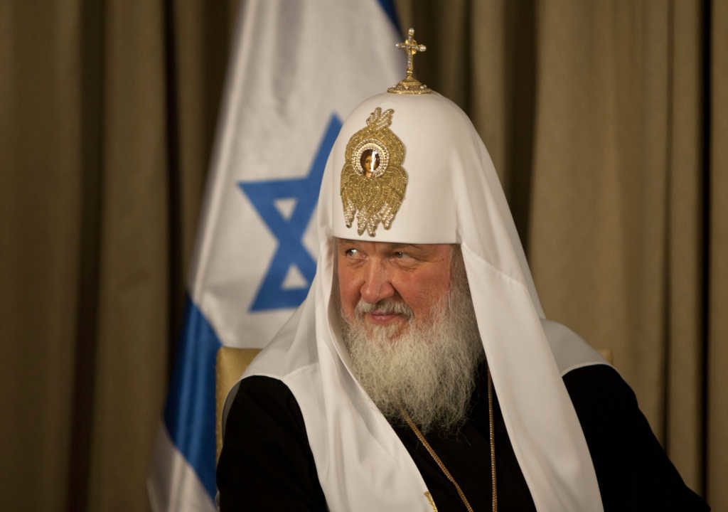 Smartphones are paving way for the Antichrist, says head of Russian church, Godinterest Christian Magazine